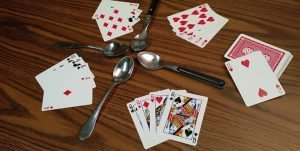 Spoons card game rules and how to play